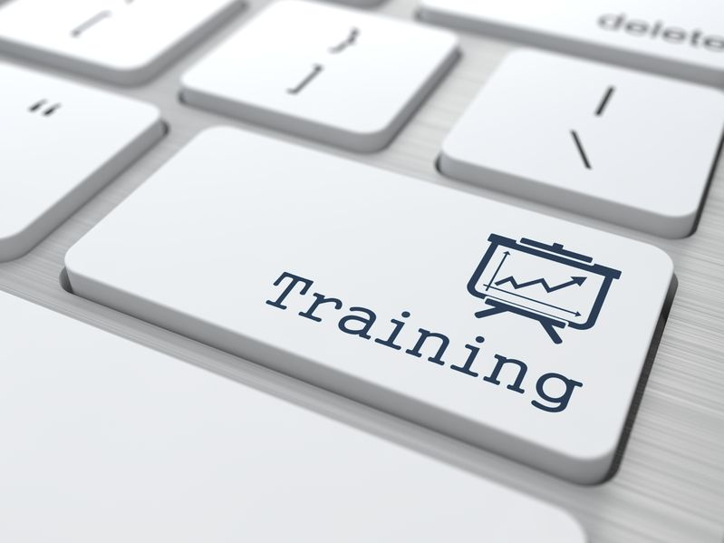 Self-Paced or Live Classes – Online Training Debate